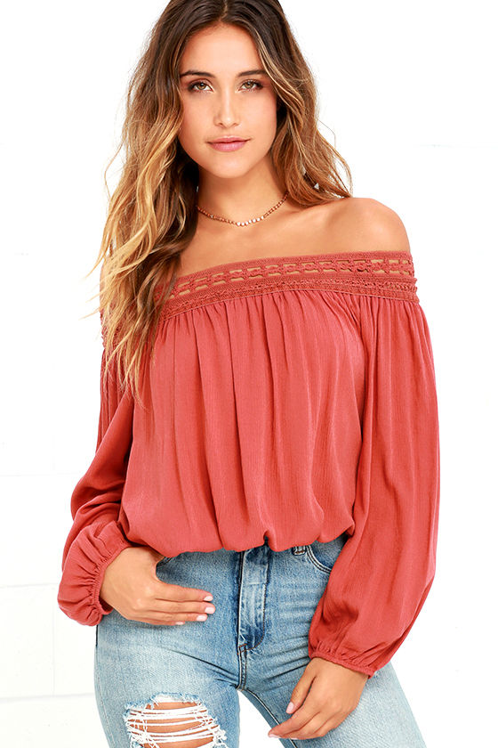 6e131b891f20 How to Wear Off Shoulder Tops